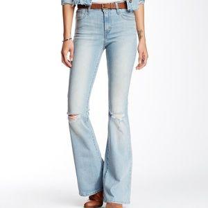 Levi Vintage Revival High Waist Jean in Size 27